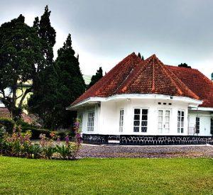 villa cipanas