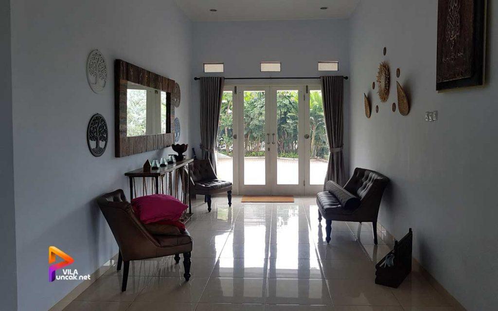 villa di cibodas puncak 5 kamar murah kolam renang pribadi 11
