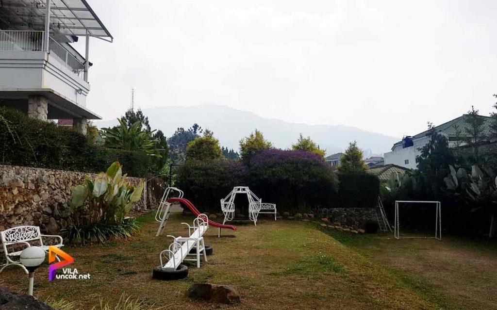 villa di cibodas puncak 5 kamar murah kolam renang pribadi 4