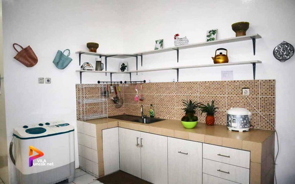 villa-di-cibodas-puncak-5-kamar-murah-kolam-renang-pribadi-27