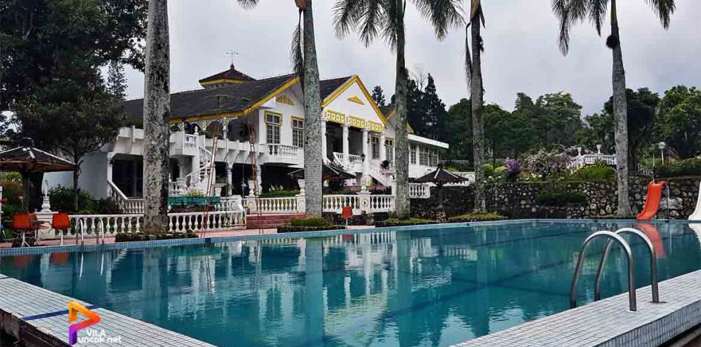 villa di puncak 8 kamar